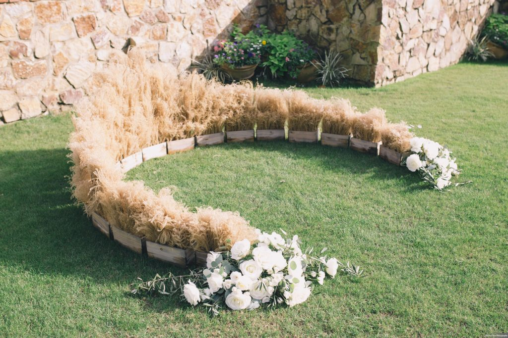 Altar Wheat Natural Flowers | Boho Chic Rustic Nature Bella Collina Wedding Anna Christine Events Black & Hue Photography