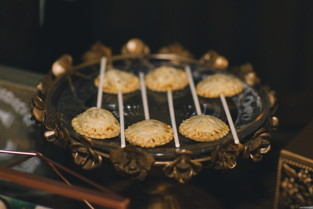 Pie Pop | Boho Chic Rustic Nature Bella Collina Wedding Anna Christine Events Black & Hue Photography